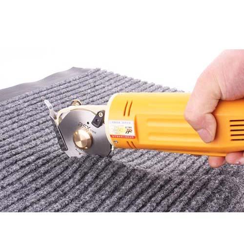 cắt tấm thảm